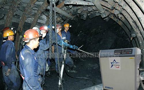 máy nén khí trục vít không dầu trong khai khoáng đã trở thành nhu cầu cần thiết