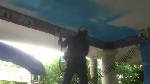Phun sơn bằng máy nén khí giúp tiết kiệm thời gian và nhân lực