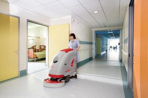 sử dụng máy chà sàn đem lại hiệu quả làm sạch cao