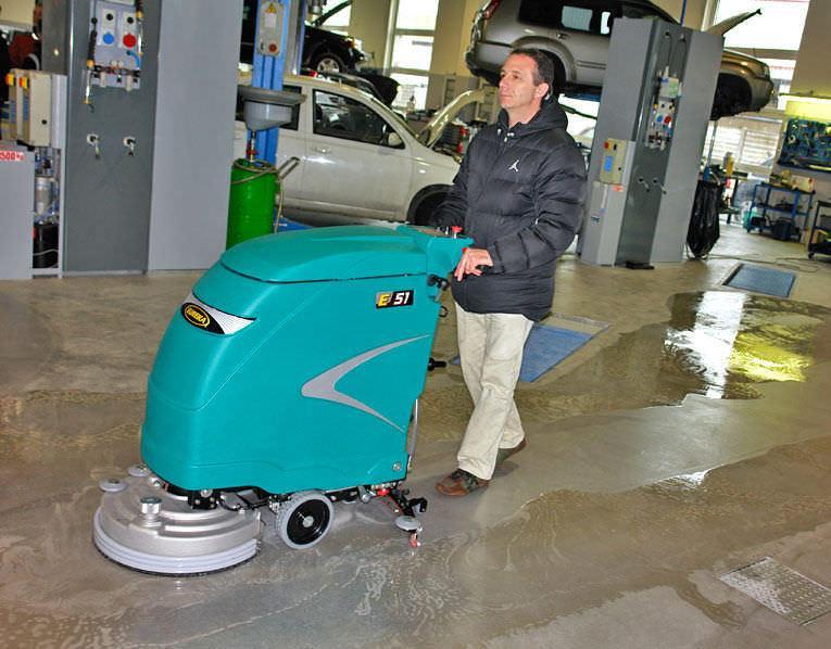 Dùng máy lau sàn nhà xưởng đúng cách giúp kéo dài tuổi thọ máy