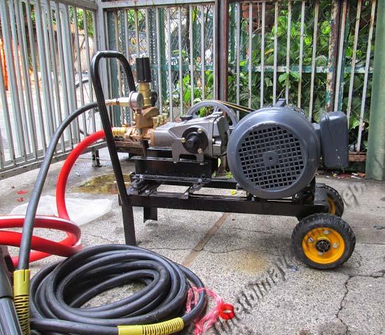 Máy xịt rửa xe áp lực cao đang dần phổ biến