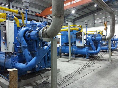 Trong hệ thống công nghiệp, máy nén không khí được sử dụng phổ biến