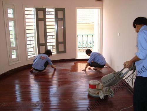 Cách đánh bóng sàn gỗ công nghiệp