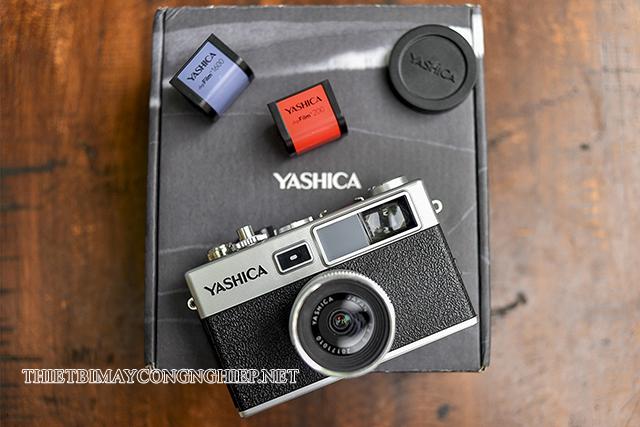 máy ảnh cơ Yashica Y35
