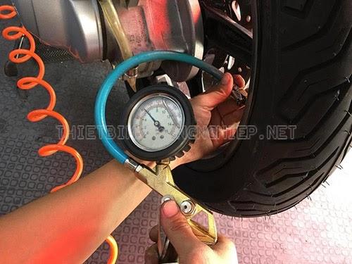 bơm vỏ xe máy không ruột