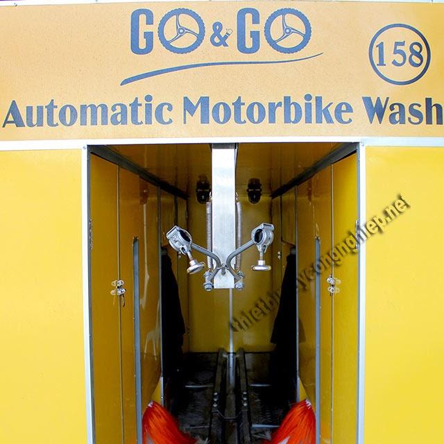 giá máy rửa xe máy tự động