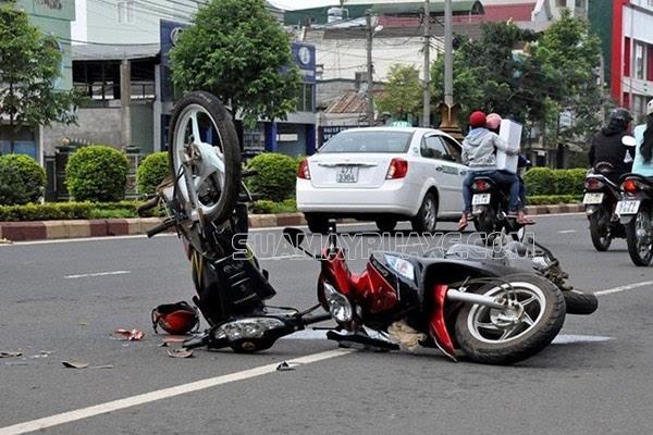 xe máy không bật xi nhan