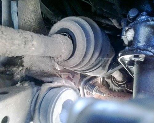 xe ô tô bị rung khi nổ máy do trục quay