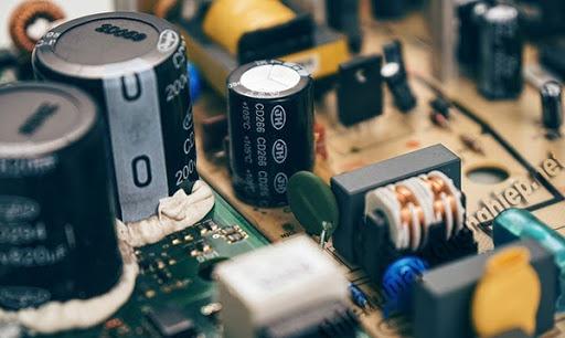 ứng dụng của tụ điện là gì