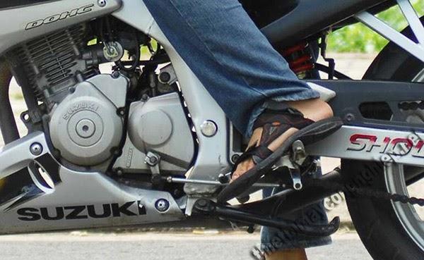 xe máy bị kẹt số