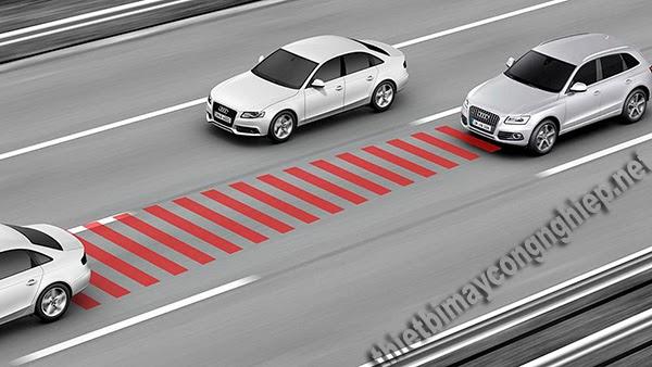 adaptive cruise control là gì